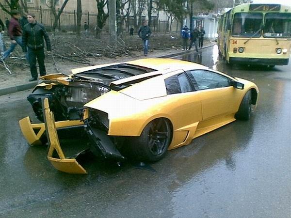 Lamborghini Murcielago totaled Video and Photos