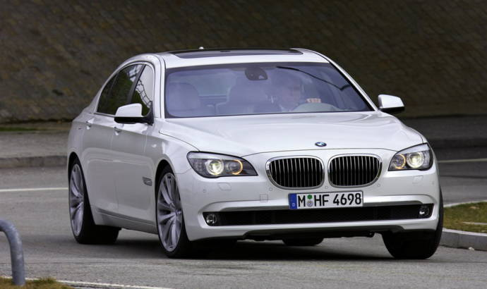 2009 BMW 760i and 760Li