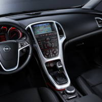 2010 Opel Astra Interior Images