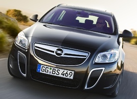 Opel Insignia OPC High Tech features