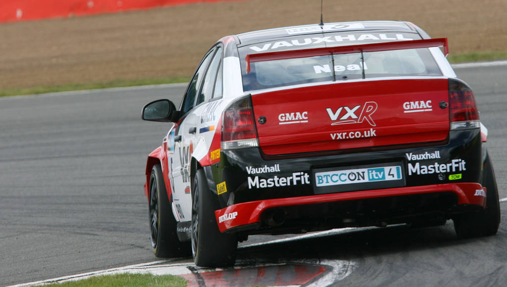 Vauxhall out of British Touring Car Championship