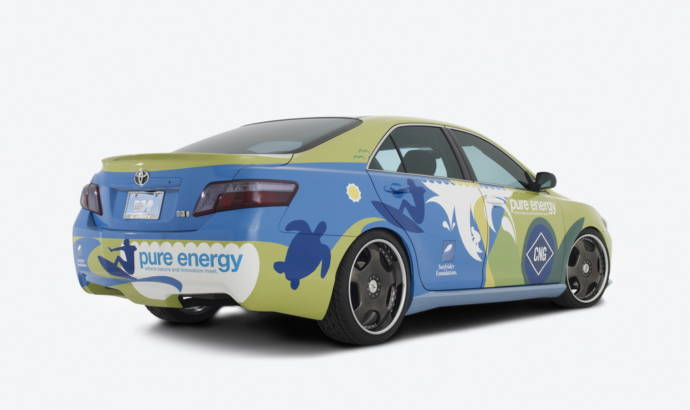 Toyota Camry Hybrid CNG by Surfrider