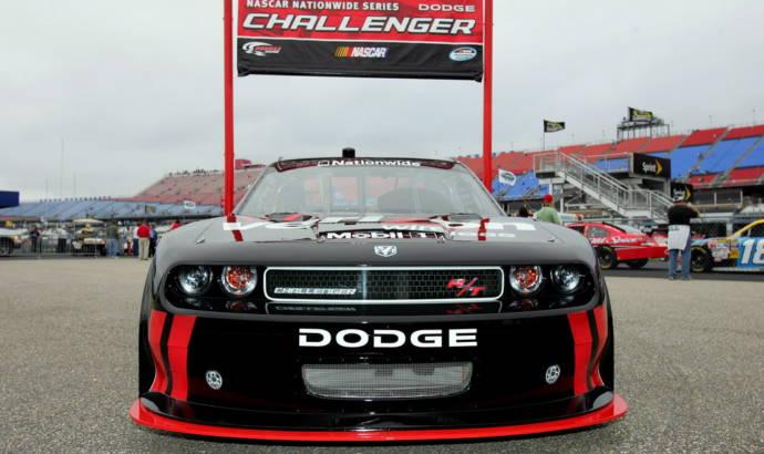 2010 Dodge Challenger NASCAR