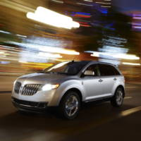 2011 Lincoln MKX luxury crossover