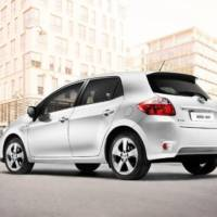 2010 Toyota Auris HSD Revealed
