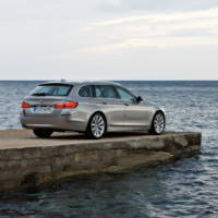 2011 BMW 5 Series Touring - Photos and Details