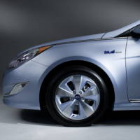 2011 Hyundai Sonata Hybrid revealed