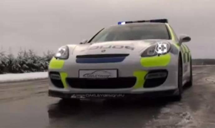 Video: Porsche Panamera Police Car