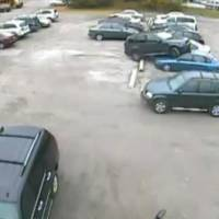 Video: Worst parking job ever