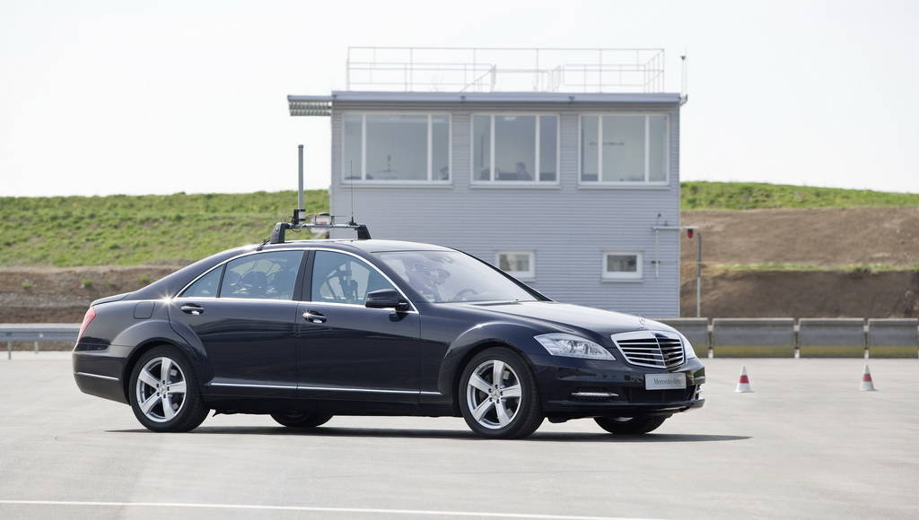 Mercedes Automated Driving Safety System