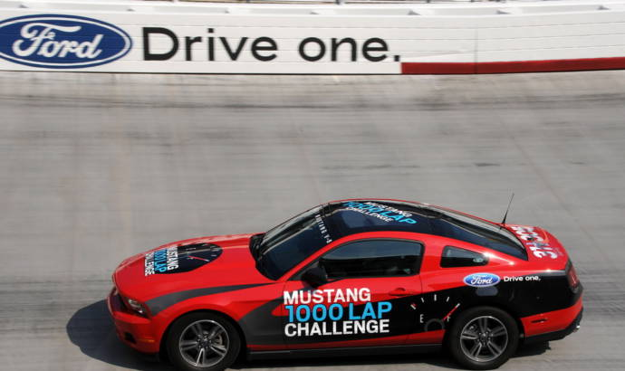 2011 Ford Mustang V6 sets new record by averaging 48.5 mpg