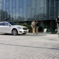 2011 Mercedes R Class new images
