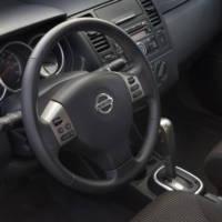 2011 Nissan Versa price