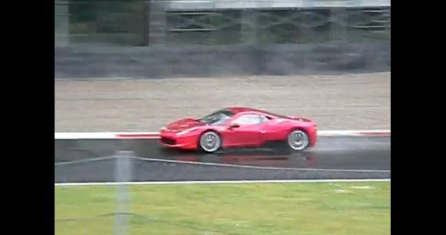 Ferrari 458 Italia Challenge video