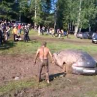 Video: Bentley Continental GT Mud Bath