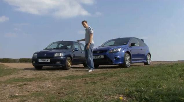 Video: Ford Focus RS vs Renault Clio Williams