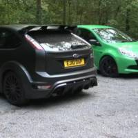 Video: Renault Clio Cup vs Ford Focus RS500