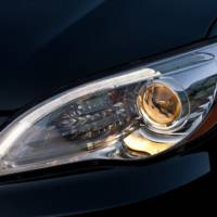 2011 Chrysler 200 teaser photos