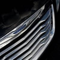 2011 Chrysler 200 teaser photos