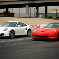 Chevrolet Corvette ZR1 vs Porsche 911 Turbo video