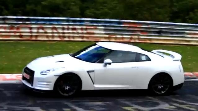 Video: 2012 Nissan GT-R spied
