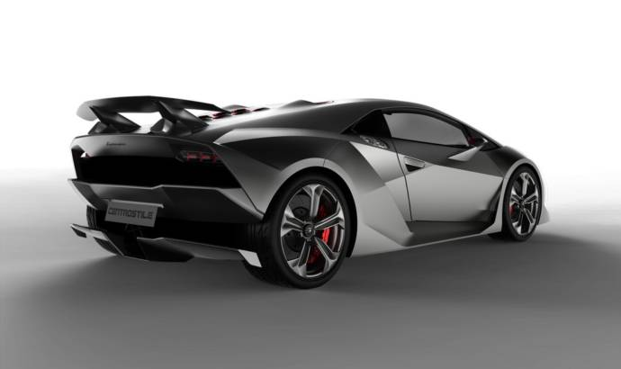 Lamborghini Sesto Elemento unveiled