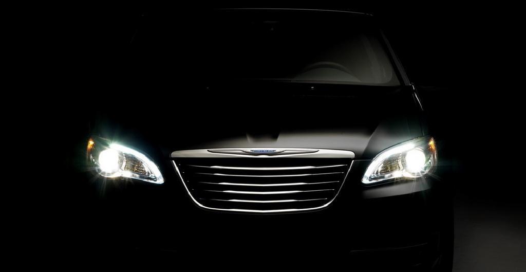 2011 Chrysler 200 front