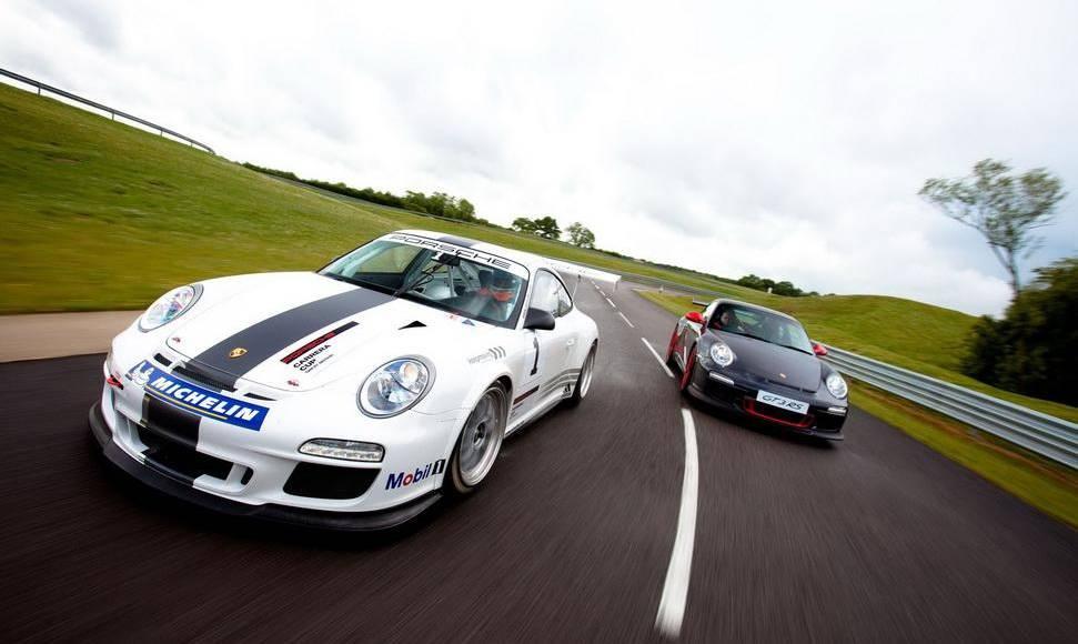 2011 Porsche 911 GT3 RS Cup race car