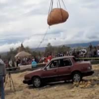 Video: 1169 lbs pumpkin vs Pontiac