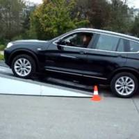 Video: Audi Q5 quattro vs BMW X3 xDrive
