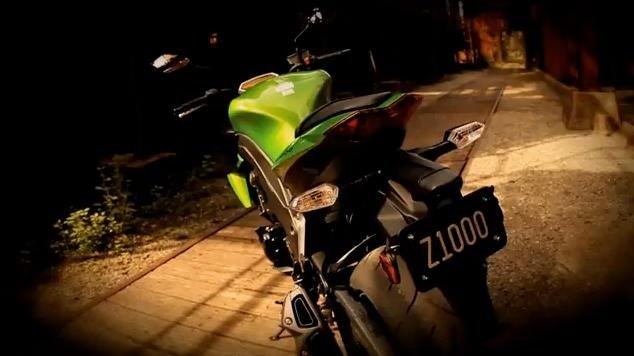 2011 Kawasaki Z1000 video