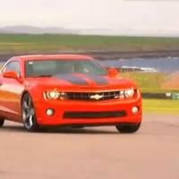 Video: Chevrolet Camaro SS vs Dodge Challenger SRT 8