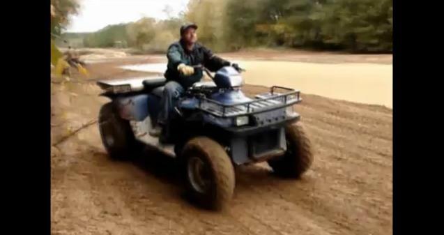 Video: V8 powered ATV