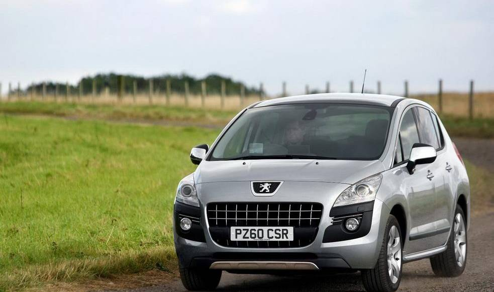 Peugeot 3008 SR and 3008 ENVY Special Edition