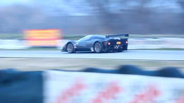Video: Ferrari P4/5 Competizione on track