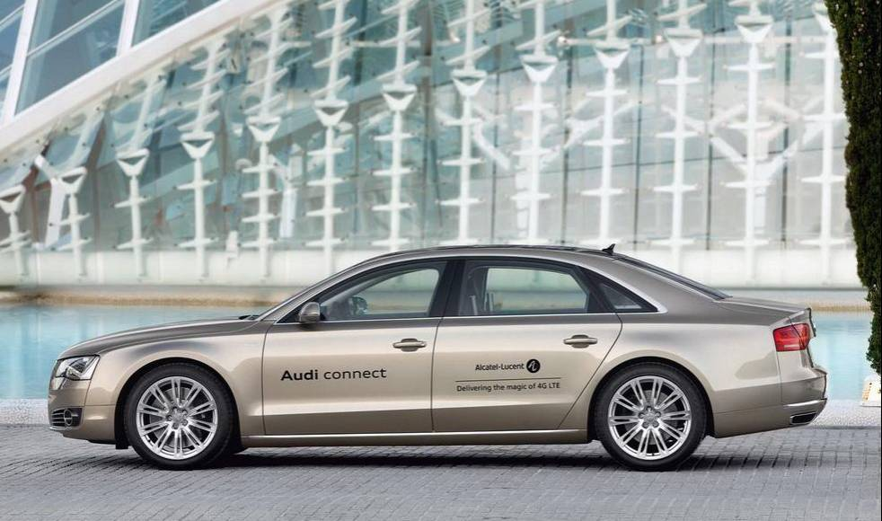 Audi A8L with LTE Broadband Connection