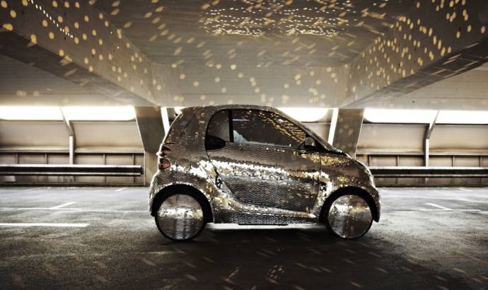 Smart ForTwo Becomes a Disco Ball