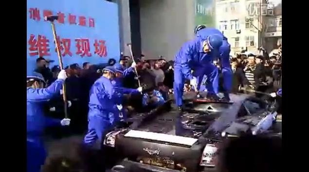 Video: Chinese Man Protests by Destroying his Lamborghini Gallardo