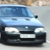Video: Lotus Carlton vs Vauxhall VXR8