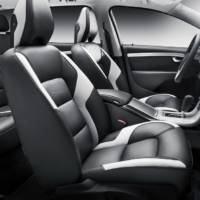 Volvo S80 Executive and V70 R Design