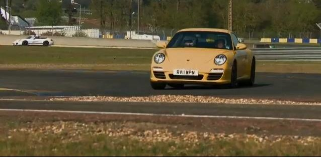 Video: Porsche 911 Carrera 4S Laps the Le Mans