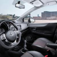 2012 Toyota Yaris Photos