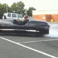 Video: Morgan 3 Wheeler Doing Donuts and Burnout