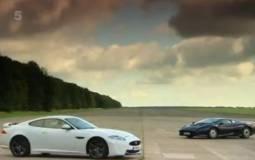 New vs Old: Jaguar XKR S vs Jaguar XJ220