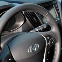 2013 Hyundai Veloster Turbo - Photos and Details