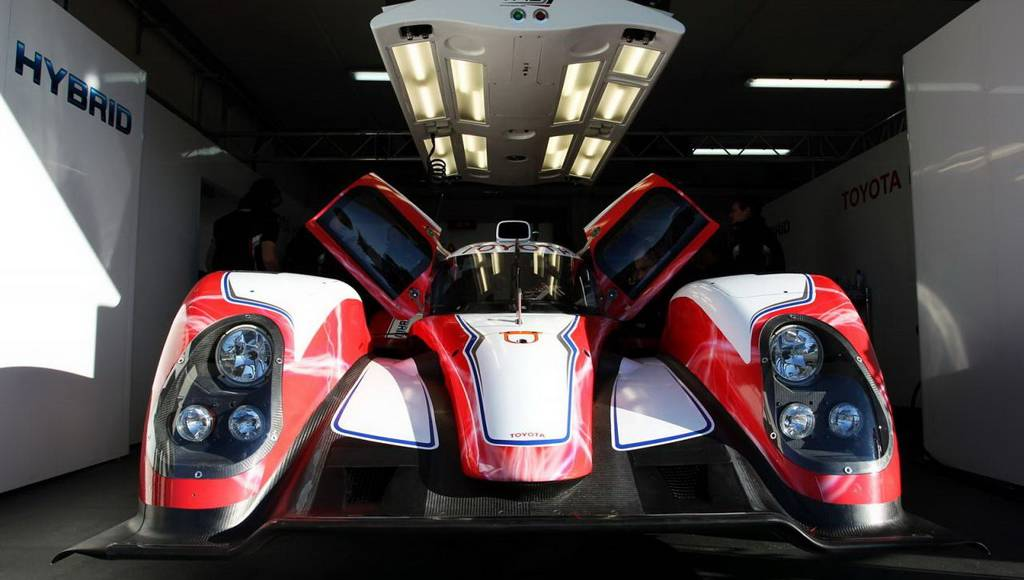 Toyota TS030 HYBRID Le Mans Racer Unveiled