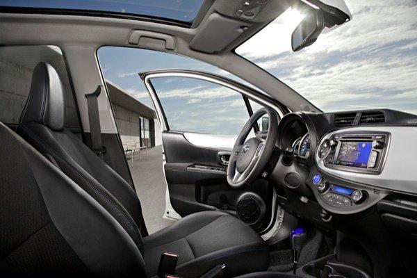 2013 Toyota Yaris Hybrid