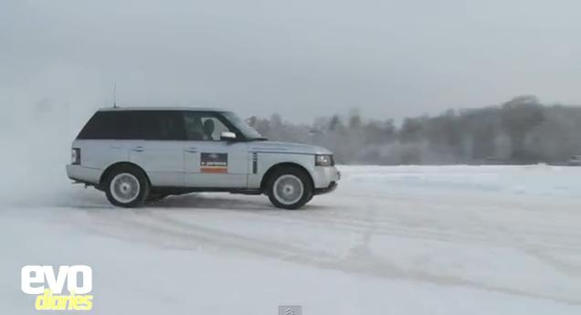 Range Rover Drifting on Snow