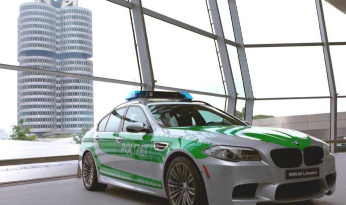 BMW M5 police car - the new Autobahn enforcer