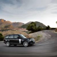 PHOTO GALLERY: The 2013 Range Rover is Showing Its Muscles